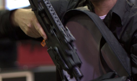 SHOT Show 2014 Day 1: The Masses En Masse